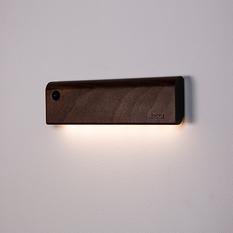 香港 ZIISTLE Dot & Line 天然原木 人體感應觸控夜燈 含無痕磁吸膠條 (2色)